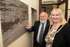 Mayor hosts Douglas from the air 1935 photo exhibition preview