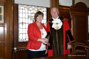 Deputy Mayoress receives chain of office
