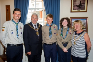 Scouts meet the Mayor