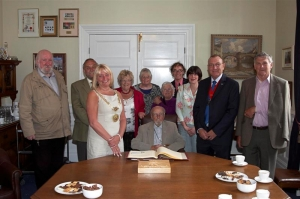 Notable nonagenarian visits Mayor's parlour