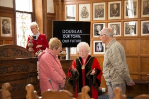 Town hall opens its doors for MNH heritage days