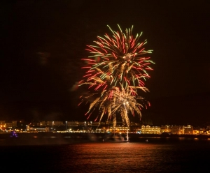 Douglas fireworks display draws the crowds