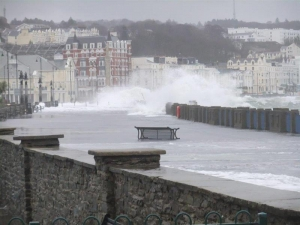 Council staff praised for response to extreme weather